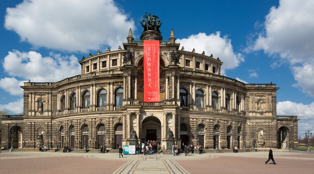 Chauffeur tour to Dresden