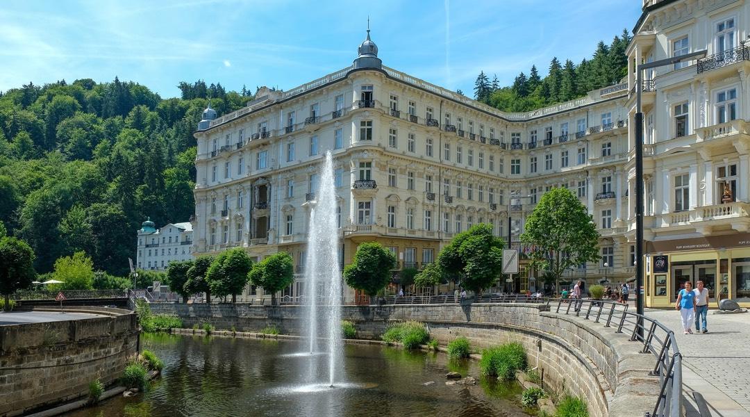Chauffeur tour to Karlovy Vary